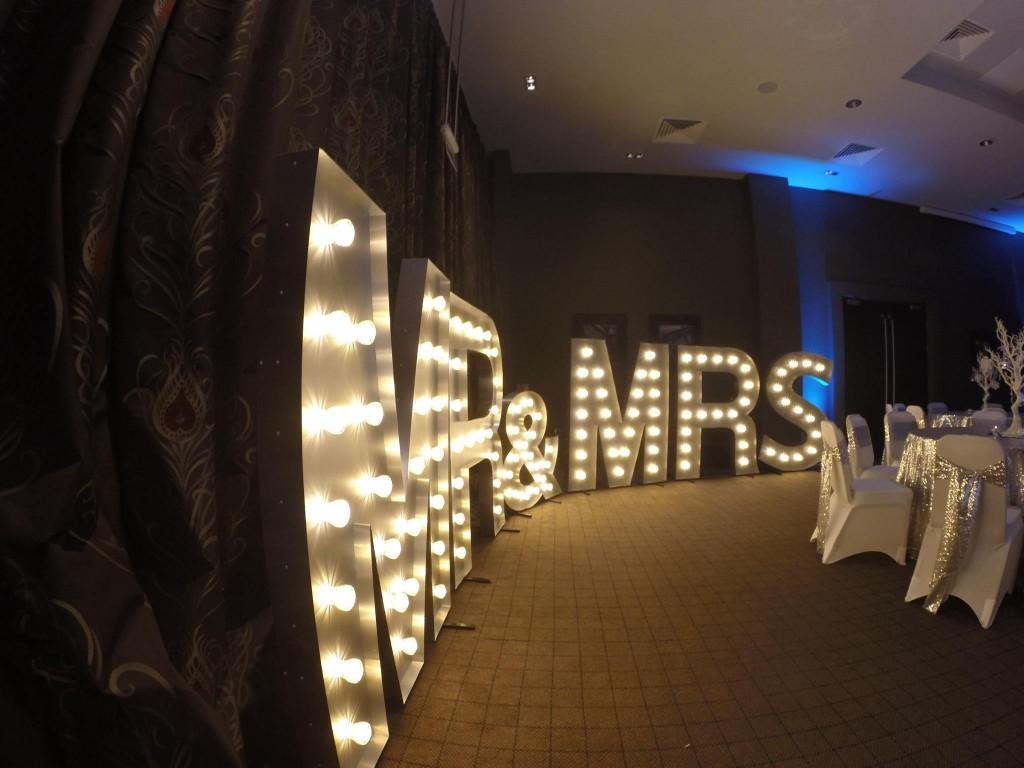 Light Up Letters Mr Amp Mrs Elite Sound